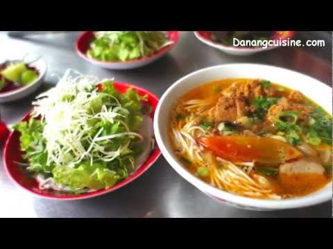 Bun rieu cua - Rice vermicelli soup with paddy crab