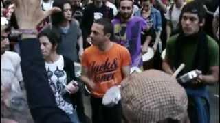 Habertürk protestosu Dünyaya örnek olacak müzikle yapılan protesto mükemmel ötesi