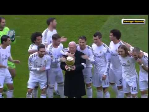 Epic:Ronaldo gives Ballon D'Or to Alfredo Di Stefano! Real Madrid Vs Granada 25/01/2014