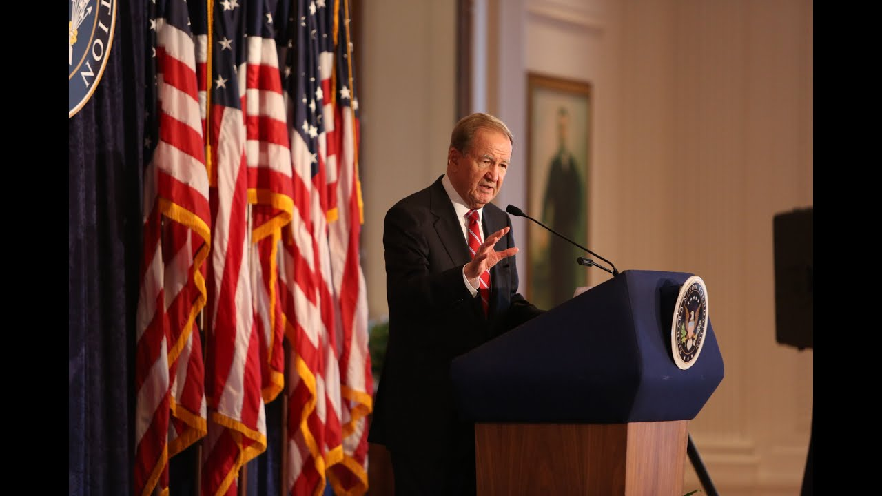 pat buchanan deconstructing america Deconstructing america patrick j buchanan is a conservative, political voice in the united states today the article deconstructing america is from his 2007 book, day of reckoning: how hubris, ideology, and greed are tearing america apart.