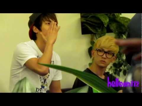 110910 SHINee JongHyun & Key @ Singapore Changi International Airport