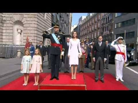 Spain's new king Felipe VI is sworn in as monarch in Madrid