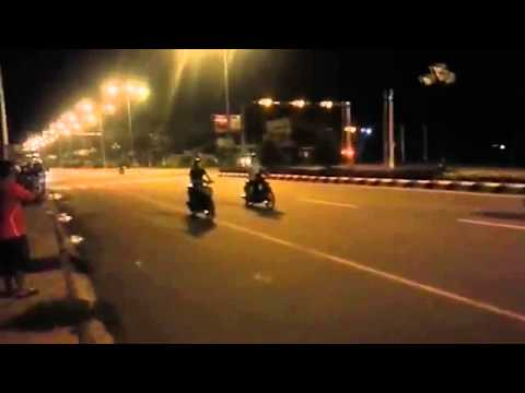 Cảnh sát bắt gọn 'quái xế' đua xe như phim hành động   VnExpress