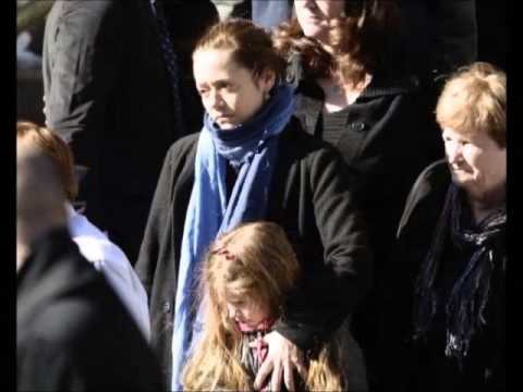 PHILIP SEYMOUR HOFFMAN : Wake and Funeral Pics (2/7/14)