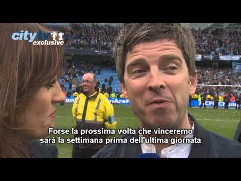 (italiano) Liam e Noel Gallagher interview Manchester City Campione d'Inghilterra