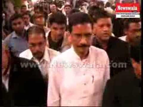 Marri Shashidhar Reddy visited Bibi Ka Alawa during Muharram 2013