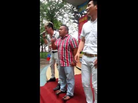 Lâm Hùng quậy cùng Lâm Chấn Khang Hiếu Hiền trong ngày giỗ Tổ Sân Khấu
