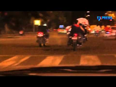 Bike Riders caught performing stunts in Delhi