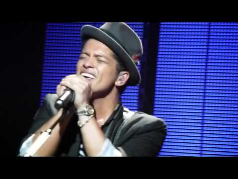 BRUNO MARS - Live (HD) Brixton Academy - Nothing On You 23/10/11