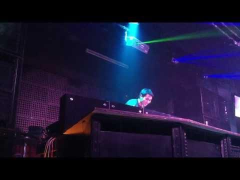 Vietnam Digital DJ Battle 2012 - Vòng loại Bảng A - Nguyễn Anh Sơn (Dj Kloser) - part 1