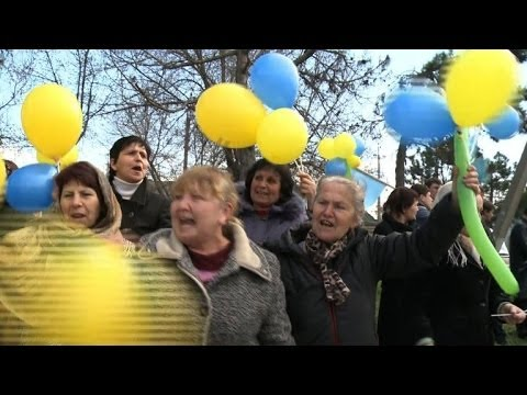 Crimean Tatars protest against 'illegal' referendum