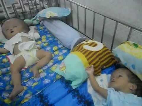 Thăm viếng trung tâm trẻ mồ côi & khuyết tật Bình Dương