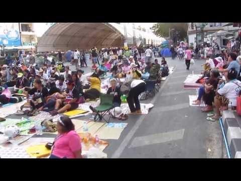 Bangkok Protest 2014 - Thai Style