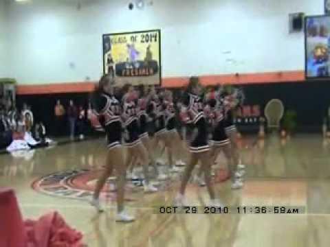 Half Moon Bay High Varsity Cheerleaders