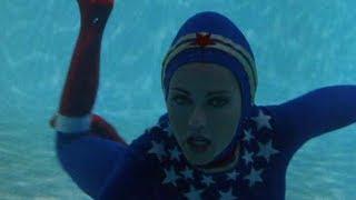 Wonder Woman Diving Underwater Scenes Bermuda Triangle