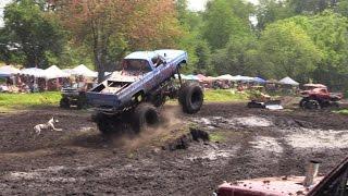Camiones en el fango