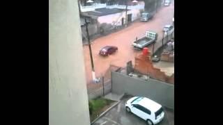 Chuva na Avenida Mem de S�, em BH