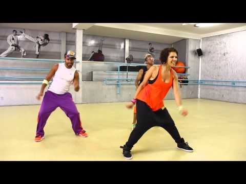 Dance with Gi  - Wisin | Que viva la vida - using mobile? go to: gisellekhoury.zumba.com
