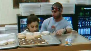 Donut Shop Owner Says Ariana Grande Spit On Merchandise