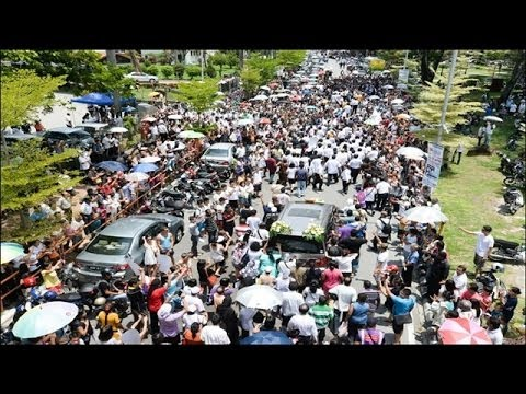 1:30pm: Traffic jams as Karpal's cortege bid its final farewell