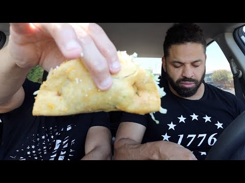 "Eating Roberto's Taco Shop ""Beef Tacos"""