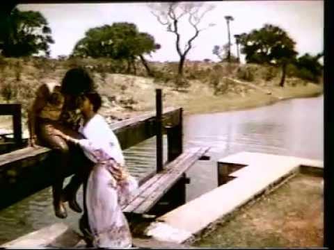 Othayadi Pathayile Mp3 Song Download