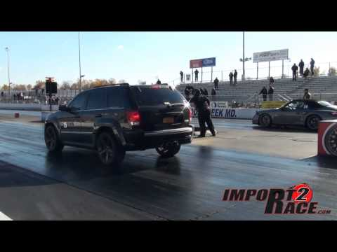 Porsche turbo vs Supercharge SRT8 Jeep