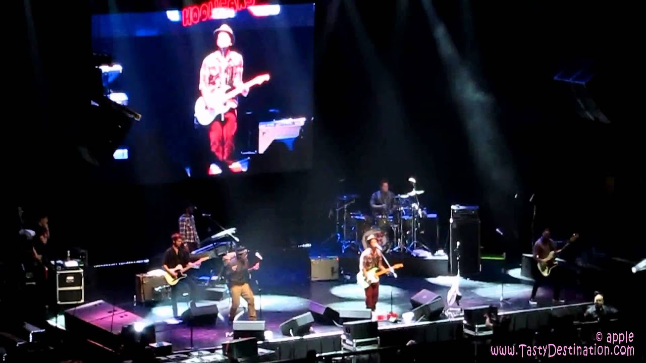 Billie Jeans By Bruno Mars Philippines Concert 2011 Youtube