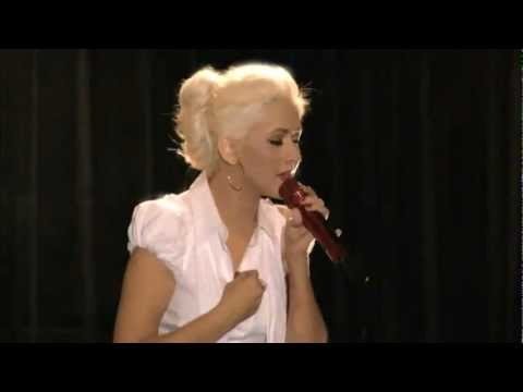 Christina Aguilera - Bound To You (Burlesque Press Conference) LIVE