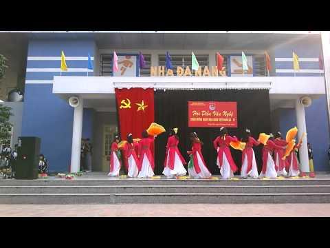 Múa Hồn Quê 12 Văn THPT Chuyên Hưng Yên