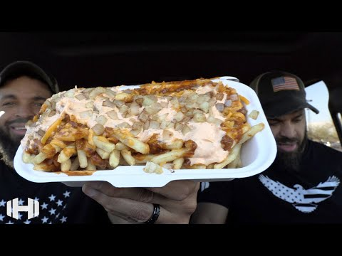 "Eating WIENERSCHNITZEL ""Thousand Island Chili Cheese Fries"""