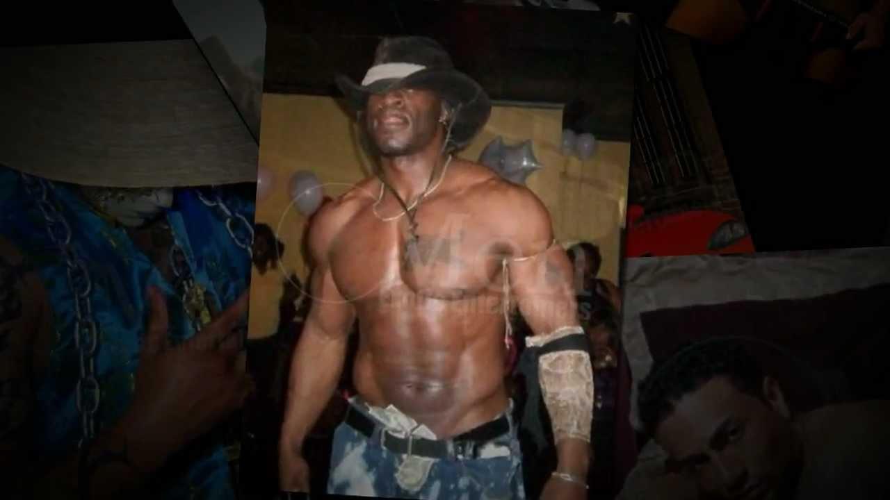Flexxx black male stripper video