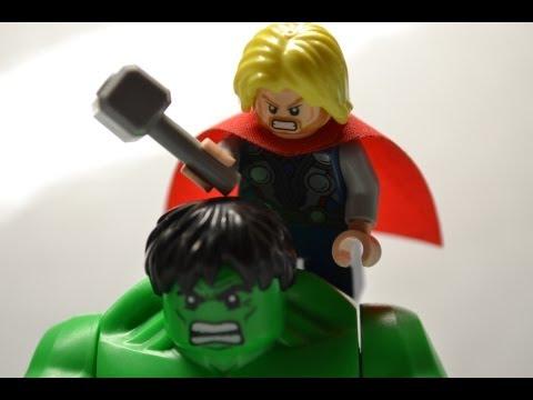 Lego Short-Hulk vs Thor