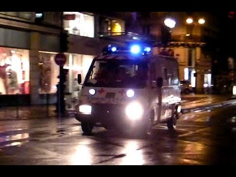 Old Paris Ambulance Responding Code 3, French Siren, Wig-Wags