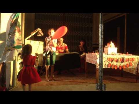 bé gái hát bài Áo Mới Cà Mau hay như Phương Mỹ Chi