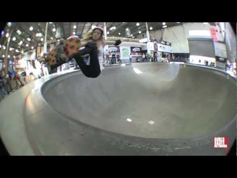 Beverly Flood - Vans Girls Combi Pool Classic 2013