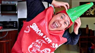 DIY HALLOWEEN SRIRACHA BOTTLE!!!