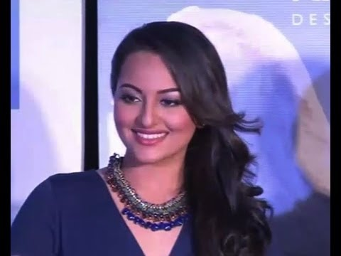 Sonakshi's Facebook page gets over 10 million likes - IANS India Videos