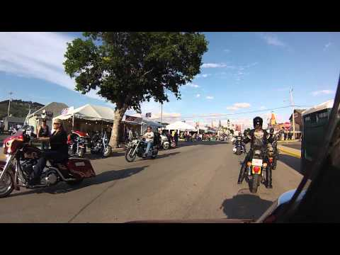 Raw GoPro Footgage of Biker Lawyer Riding through Sturgis 2013