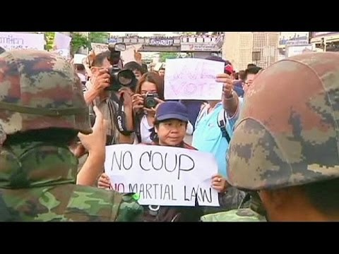 Thai army detains ousted PM Yingluck Shinawatra