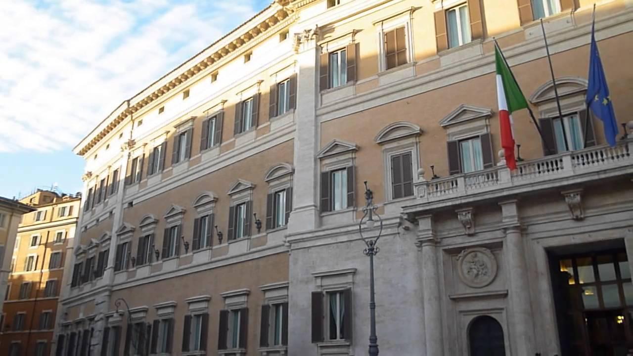 for Lavorare al parlamento italiano