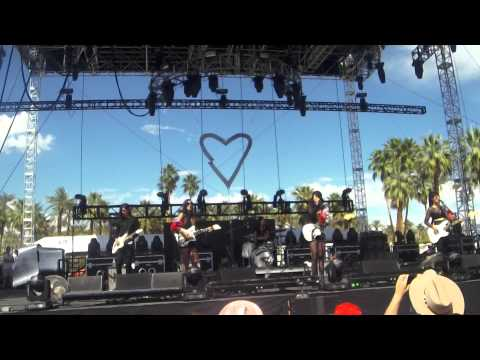 Dum Dum Girls - Lord Knows - Coachella 2014 - HD