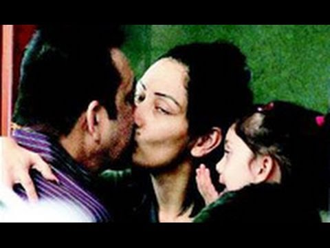Sanjay Dutt Kisses Wife; Returns to Yerwada Jail After Parole | Hindi Latest News |