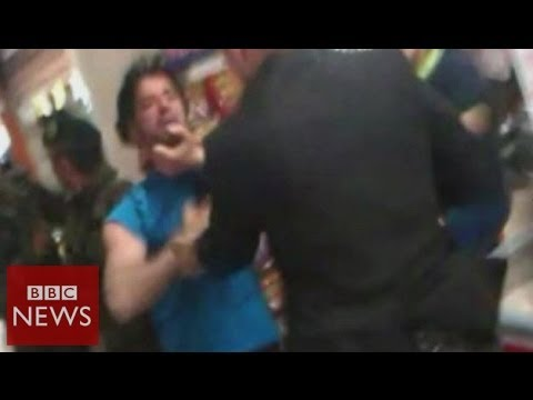Protesters hit in Turkey PM mine visit - BBC News