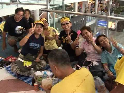 Tense political showdown in Thailand