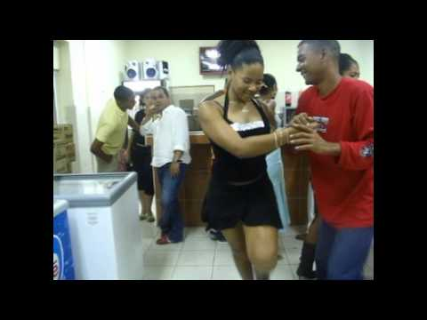 Mulatas Bailando Salsa - lindas Mulatas Bailando salsa en Cuba