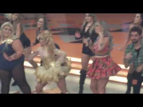 Joelma dançando Show das Poderosas