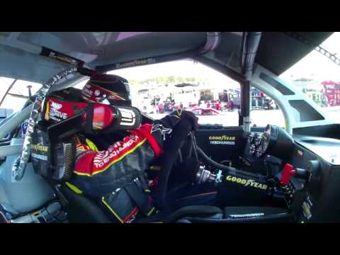 NASCAR in-car camera | Jeff Gordon Wins at Martinsville (2013)