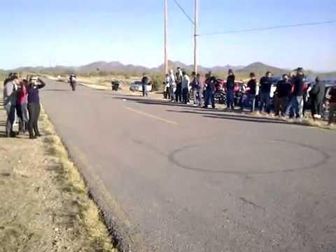 Sorprendentes Acrobacias En Motos Deportivas De Lujo | Motos De Carreras Haciendo Canguro