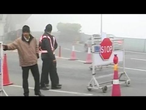 Thick early morning fog engulfs Delhi, 28 flights affected